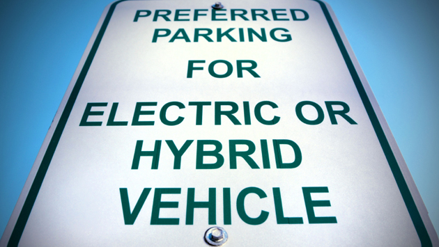 Hybrid vehicle parking sign
