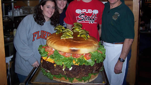 100-Pounder (Denny's Beer Barrel Pub)