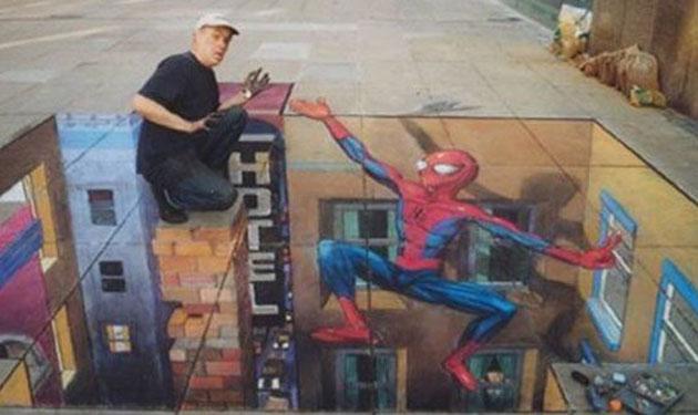 4_Spider-Man-Sidewalk