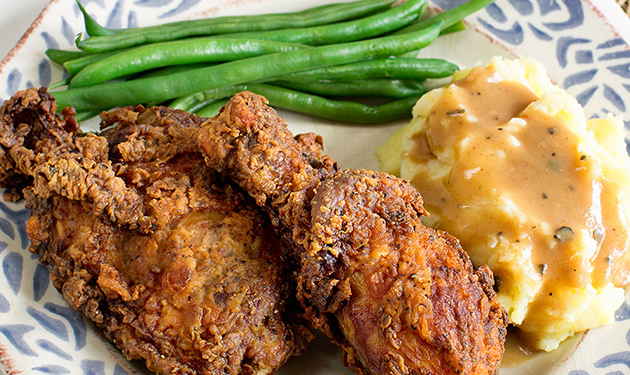 5. Grilled Chicken Drumsticks, Green Beans, and Mashed Potatoes with Gravy(1)