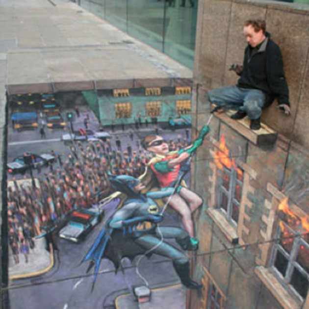 5_Batman-and-Robin-Sidewalk