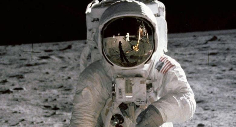 Armstrong-in-Aldrins-Visor